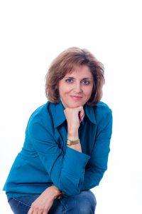 Sandra Oprel wordt geinterviewd over de Paarden Oppas Service